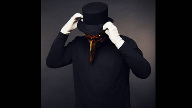 EDGE HOUSE feat.Claptone