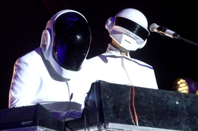 Daft Punk & The Weeknd、A Tribe Called Questらグラミー賞授賞式でパフォーマンスを披露